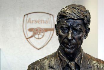1280px-Arsène_Wenger_statue